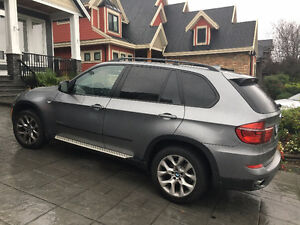 2011 BMW X5 3.5i w/ 7 passenger seating