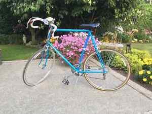 High speed road bike