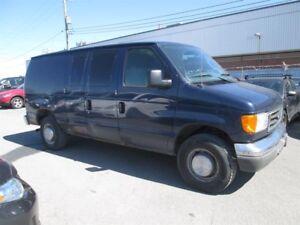 Ford Econoline Cargo Van E-250 2005