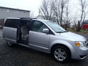 2010 DODGE GRAND  CARAVAN STOW & GO SLT PREMIUM PACKAGE