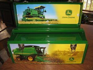 JD 20 inch tool box Regina Regina Area image 2