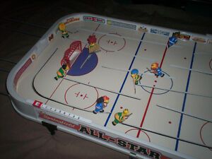 THE SIMPSONS ALL STAR TABLETOP HOCKEY GAME made by STIGA RARE!