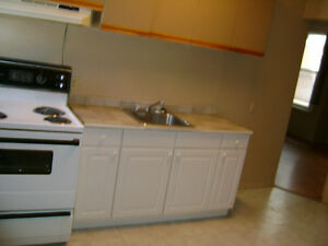 1 Bed Apartment $675 Inlcusive Free heat,hydro,water for MAY 1st
