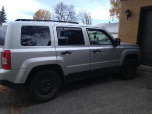 2011 Jeep Patriot Gris VUS