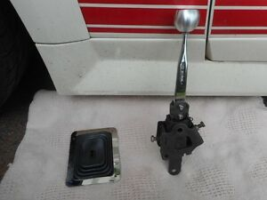 Hurst Comp Plus 2083 four speed shifter, handle, Shelby knob