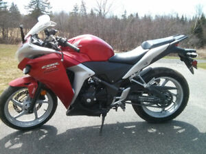 Honda CBR 250 for sale, need it gone before winter