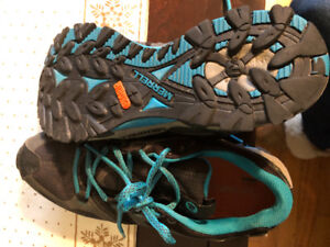 Merrill hiking shoes. Size 7.5 women's. excellent condition.