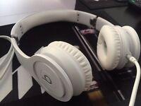 Beats Solo HD pure white