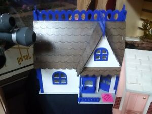 Vintage Small Wood Doll House/Porch Scene Prince George British Columbia image 2