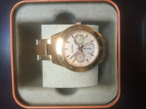 BRAND NEW ROSE GOLD FOSSIL WATCH