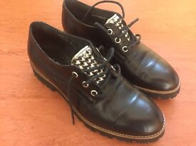 Realleather shoes Size 4