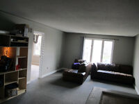 UWO Students - 4 bdrm steps from campus $495