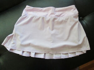 Lululemon Skirt with Build-in Shorts Size 2