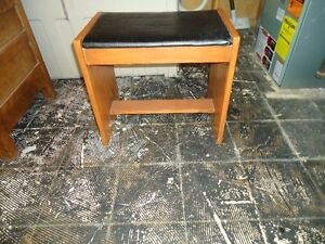 VINTAGE VANITY STOOL FOR SALE