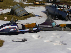 VINTAGE SNOWMOBILE WRECKING YARD SELLING OUT