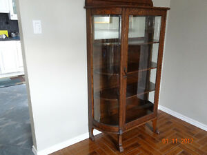 CHINA CABINET, ANTIQUE, 4TH GENERATION FAMILY OWNED $350.