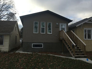 Washington Park Bilevel. Like new condition,2 Bedrooms and a Den