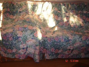 Curtains - Blankets ....Place mats ...Runners ... London Ontario image 2