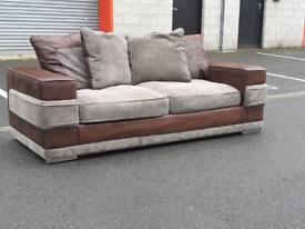 Suede 3 Seater Sofa 🤩excellent condition 🤩