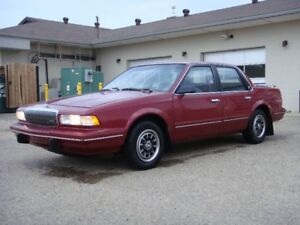1993 BUICK CENTURY -  Red interior // Exterior - Low Kms
