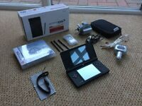 Nintendo DSi Bundle - Great Condition