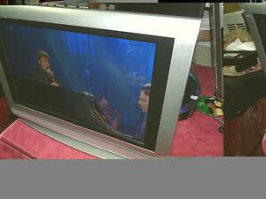 COMBO TV 24 POUCES/DVD VENTURER