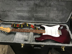 Fender Stratocaster | Buy or Sell Used Guitars in