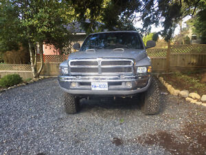 1998 Dodge Power Ram Laramie 1500 Pickup Truck