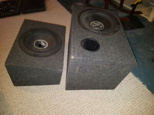 "2  12"" Memphis audio 500W subs and a 600W Alpine mono amp... obo"