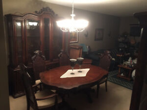Solid  wood  dining room set  B/O