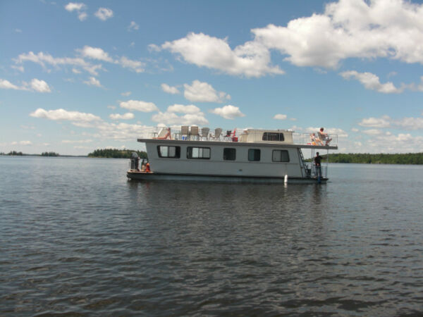 Used 1986 Other 44 ft Three buoys House Boat