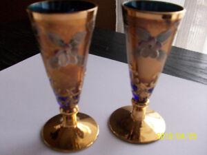 Deux verres à pied (flutes) EN CRISTAL DE BOHEME, vintage