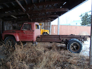 Heavy duty antique Ford truck