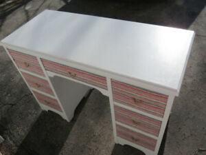 Need  A Student  or Bedroom Desk?