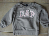 Girls Baby Gap Size 2T Fleece Sweater