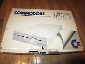 COMMODORE - 128 - VINTAGE - 3 COMPONENT - COMPUTER SYSTEM London Ontario image 6