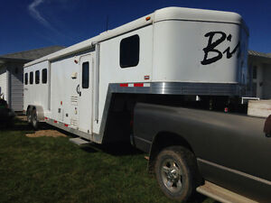 2013 Bison 4 horse trailer with living quarters