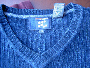 Assorted Sweaters Arizona Blues West Island Greater Montréal image 5