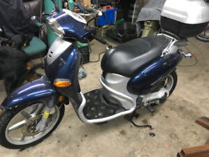 Selling my gas powered 125 scooter