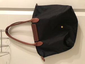 longchamp le pliage black medium - $50 (Yonge/Sheppard)