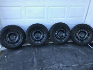 P195 65 15 Winter tires on rims Like New