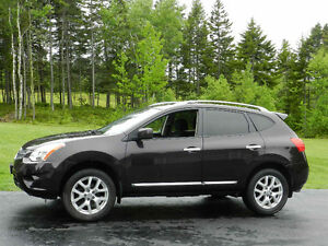 2012 Nissan Rogue SV, AWD, Sunroof, Only 34,000 km