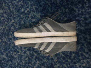 Men's Adidas grey shoes in good condition,