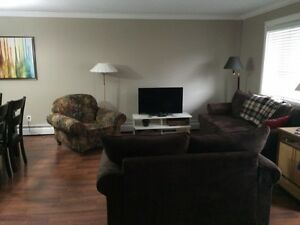 LOOKING FOR A ROOMMATE-CLOSE TO U OF A!