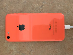 iPhone 5c - locked to Rogers- 16GB Pink