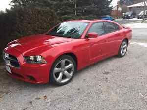 LOW KMs -2011 Dodge Charger SE Sedan