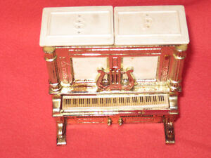 piano salt and pepper