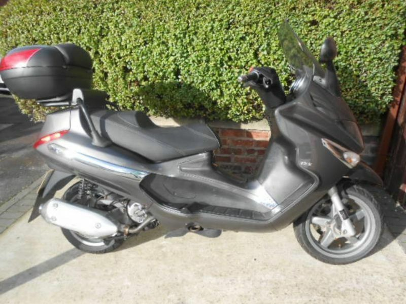 2009 piaggio xevo 125 scooter commuter motorcycle moped cheap low insurance in ashton on. Black Bedroom Furniture Sets. Home Design Ideas