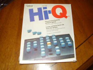 ENGLISH/FRENCH HI-Q GAME