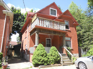 Nov Dwntwn Kitch Beautiful, Spacious 2 Floor, 3 Bdr Duplex Apt